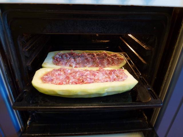 Кабачки целые с фаршем в духовке рецепт с пошаговый