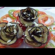 Розы из баклажана. Фаршированные помидоры.
